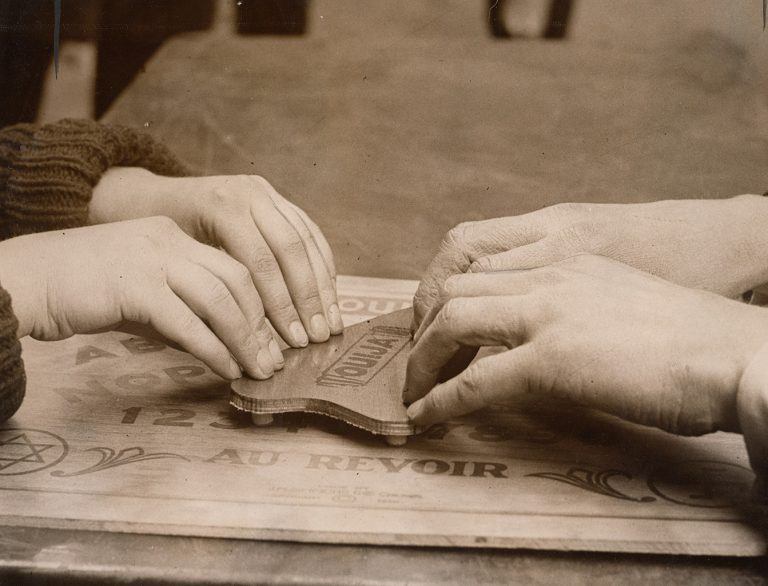 1921 NEA Simmons Ouija board