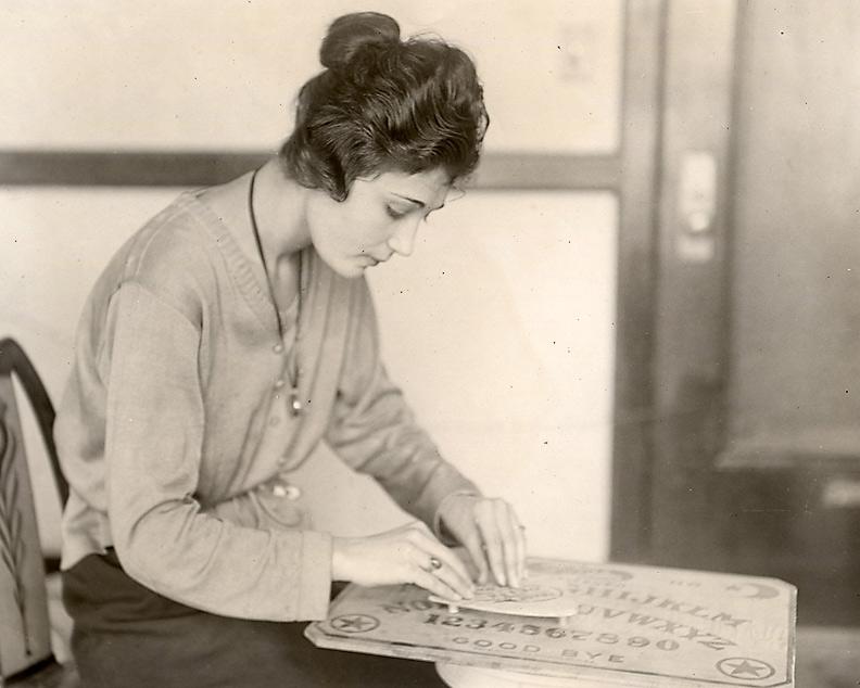 1922 Miss S Brenner Ouija